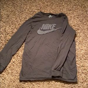 Long sleeve nike tee size:L (grade school)
